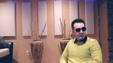 3 typy svetrů, které muži musí mít