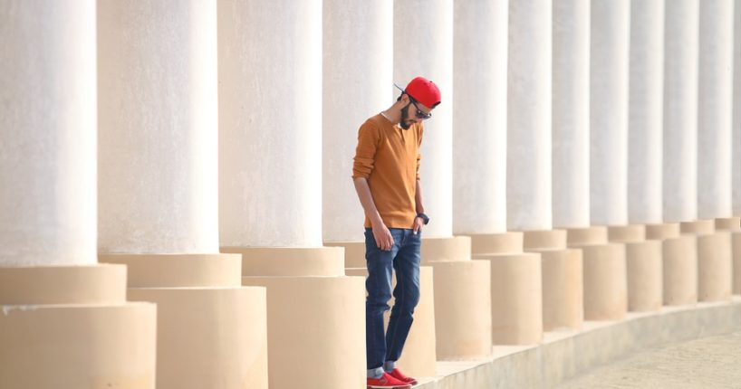 Tři novinky ve světě pánské módy. Zaujměte třeba se skleněným motýlkem